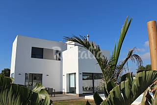 Villa with 4 bedrooms only 200 meters from the beach Cádiz