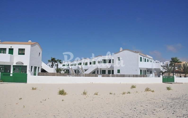 Apartamento en alquiler en 1a l nea de playa el cotillo la oliva fuerteventura - Alquiler de apartamentos en oliva playa ...