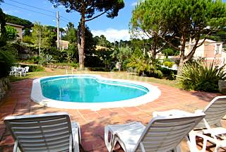 Villa with 5 bedrooms 7 km from the beach Girona