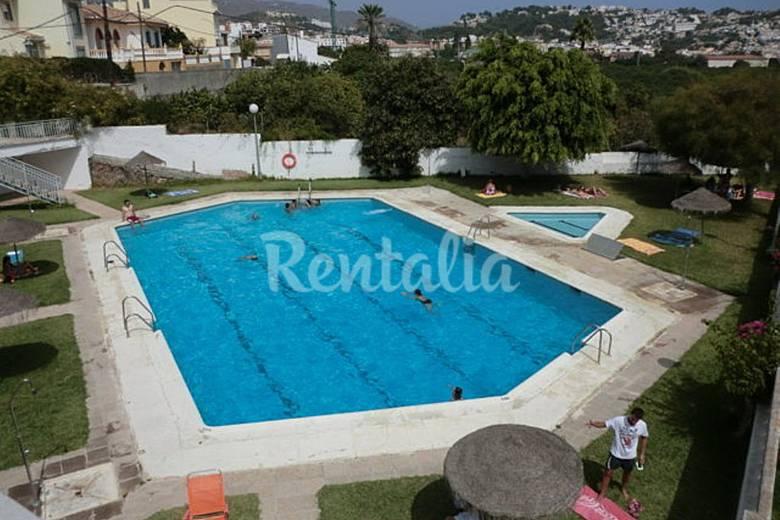 Apartamento de 2 habitaciones a 1000 m de la playa for Piscina publica alhendin granada