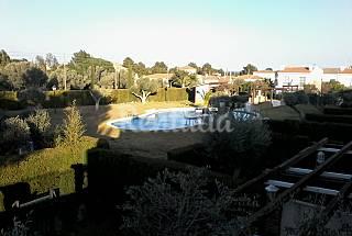 Montagut II-Piscina en comunidad tranquila Tarragona