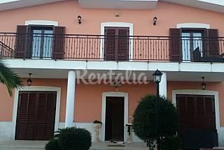 Villa for 2-14 people 3 km from the beach Bari