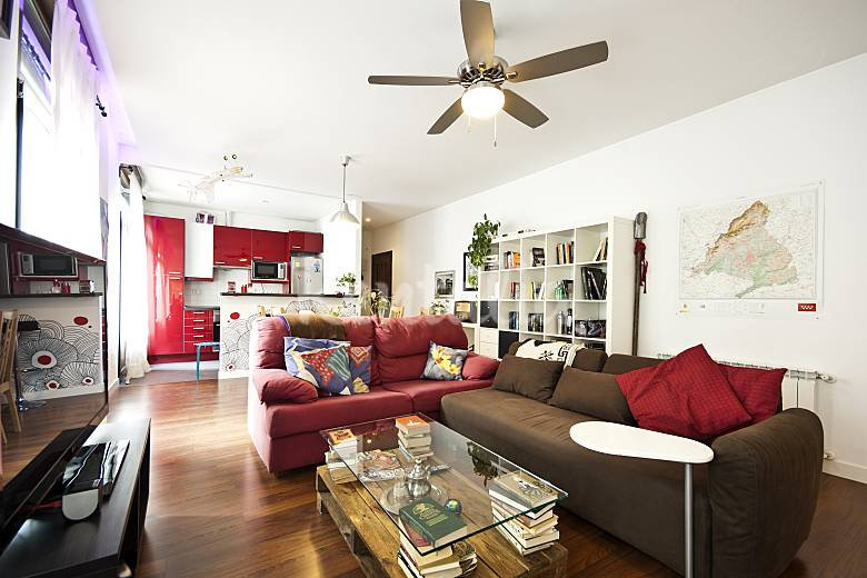 Alquiler vacaciones apartamentos y casas rurales en for Alquiler apartamentos sevilla espana