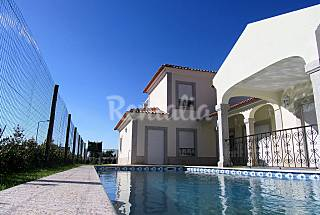 Villa for rent only 100 meters from the beach Setúbal