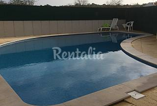 Casa geminada T2 a 5 km da praia,c/ piscina comum Algarve-Faro