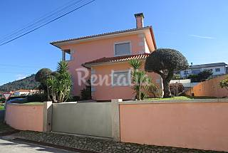 Villa for rent only 500 meters from the beach Viana do Castelo