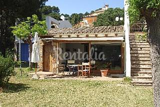 House with 2 bedrooms only 100 meters from the beach Girona