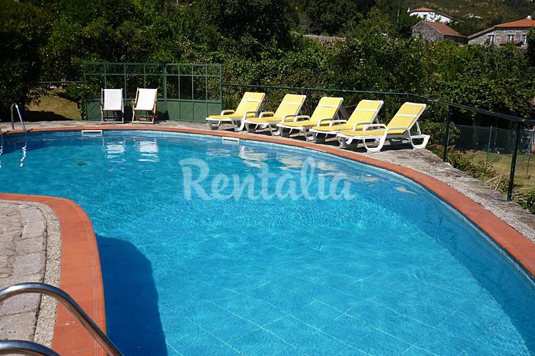 Casa con piscina y jardin vila praia de ncora caminha for Piscina jardin norte