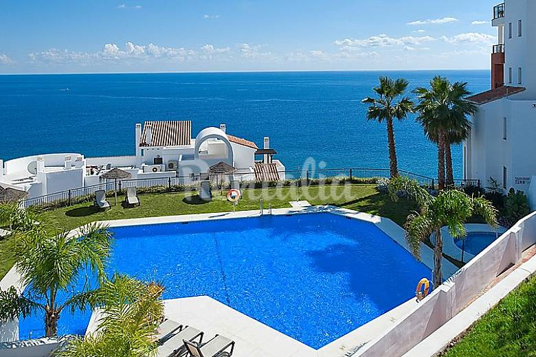 Apartamento para 4 personas con piscina el pe oncillo for Piscina publica malaga