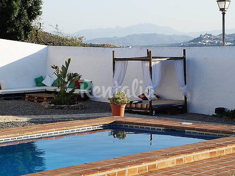 Villa para 12 personas con piscina casablanquilla la for Piscina la rinconada
