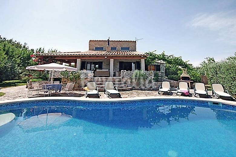 Casa para 12 personas con piscina lloseta mallorca for Casas con piscina mallorca