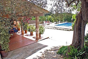 Casa en alquiler con piscina b ger mallorca for Casas con piscina mallorca