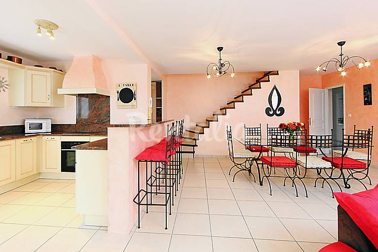 Villa for 6 people 4 km from the beach Herault