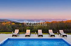 Villa for rent 7 km from the beach Istria