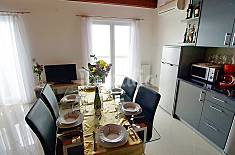 Apartment for 6 people on the beach front line Zadar