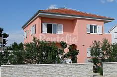 Apartment for rent only 300 meters from the beach Šibenik-Knin
