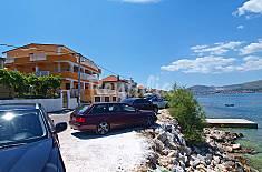 Apartamento para 6 personas en 1a línea de playa Split-Dalmacia
