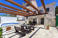 Villa for 10 people only 200 meters from the beach Split-Dalmatia