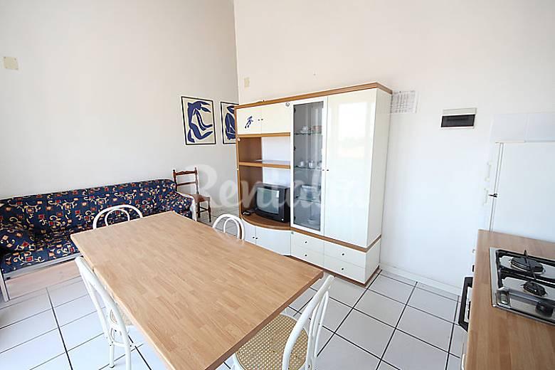 Apartamento en alquiler a 1500 m de la playa numana ancona - Ancona cocinas ...