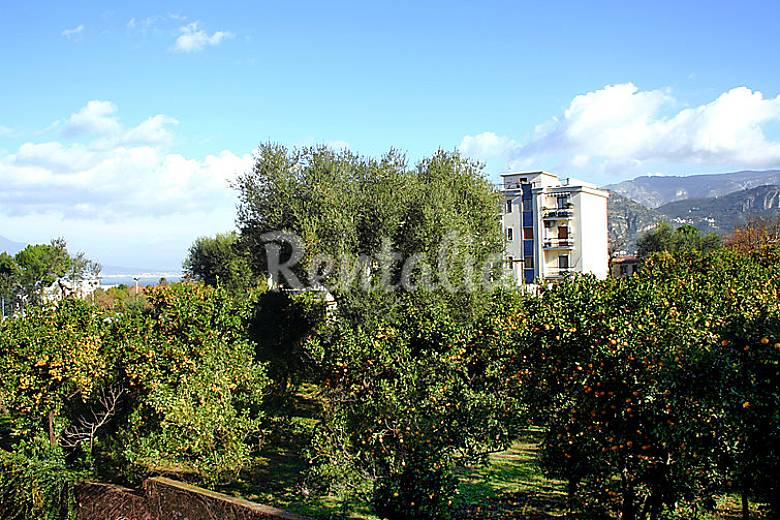 Apartment for rent only 750 meters from the beach Naples