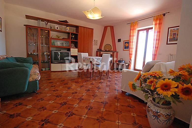 Villa in affitto a 2 km dalla spiaggia Napoli