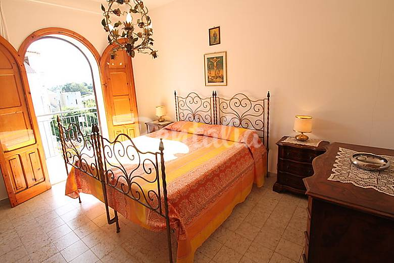 Apartment for 6 people only 600 meters from the beach Messina