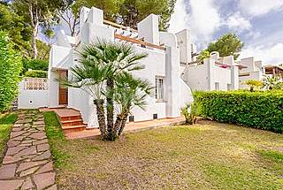 Townhouse with sea views in Resort Alicante