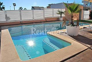 Beautiful villa with swimming pool near Valencia Valencia
