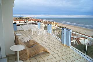 Apartment for 0-0 people on the beach front line Alicante