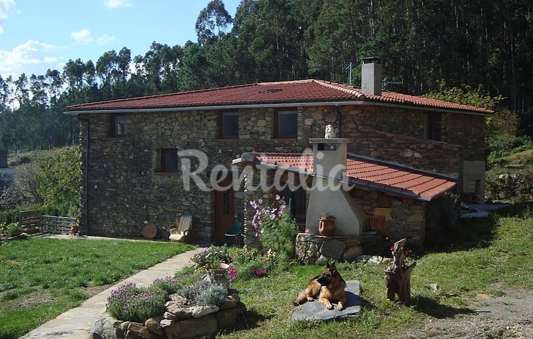Casas rurales para una escapada con tu mascota idealista - Escapadas rurales galicia ...