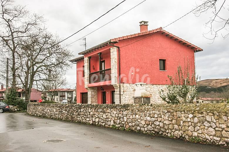Casa en san roque llanes 1000 metros de jardin san for Casa jardin asturias