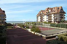 Apartment for 2 people only 50 meters from the beach Calvados