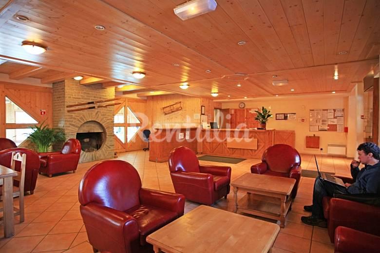 Apartamento para 6 pessoas com piscina lanslevillard for Piscine lanslevillard