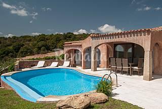 Villa de 3 habitaciones a 1000 m de la playa Olbia-Tempio