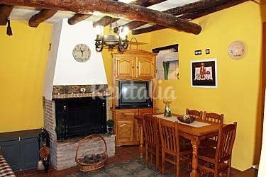 Casa Comedor Teruel Nogueras Casa en entorno rural