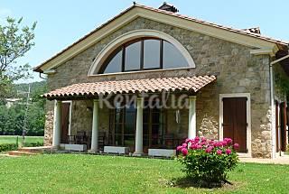 House for 11-14 people in La Vall d'en Bas Girona