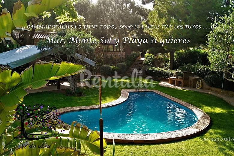 Casa rural con piscina cerca de la playa pilar de la for Casas rurales alicante con piscina