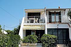 2 Apartamentos de 2-3 pers. a 200 m de la playa  Menorca