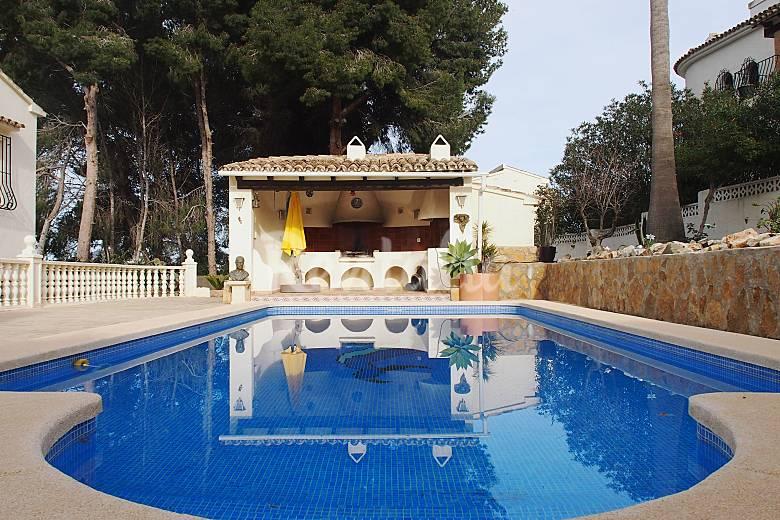 Casa con piscina a 1200 m de la playa la fustera for Casas rurales alicante con piscina