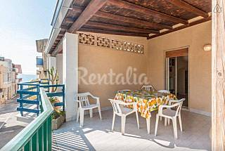 Apartment for 4-6 people only 40 meters from the beach Ragusa