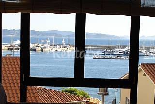 Apartment with 2 bedrooms on the beach front line Pontevedra