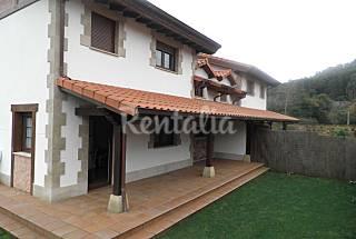 Preciosa casa en Novales a 3 km de la playa Cantabria