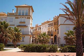 Apartment with 3 bedrooms only 50 meters from the beach Cádiz