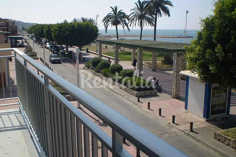 Apartment on the beach front line Málaga