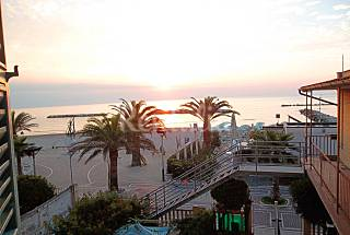 Apartment for 2-4 people on the beach front line Ascoli Piceno