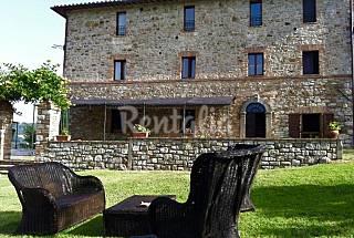 Campoalvento - ferme avec 7 logement en Ombrie Pérouse