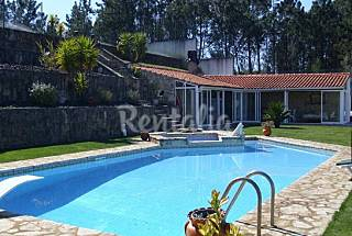 House for 15-18 people with swimming pool Santarém