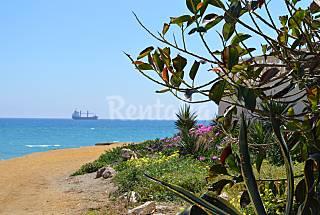 Apt 4 personas a 50 m de la playa. Parking incl. Almería