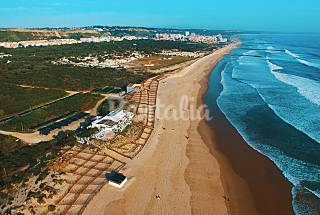 Apartment with 4 bedrooms only 600 meters from the beach Setúbal