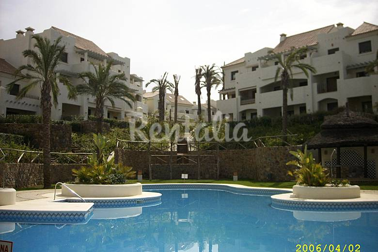 Apartamento para 4 5 personas a 700 m de la playa - Rentalia islantilla ...